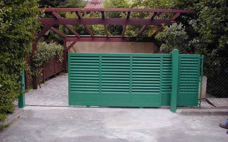 cancelli particolari verdi