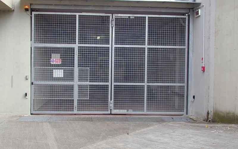 cancello garage fabbricato