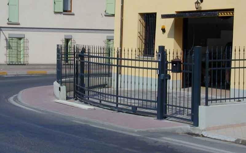 cancello particolare arrotondato