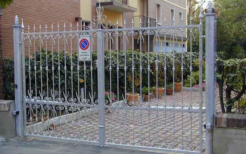 cancello metallico apertura automatica