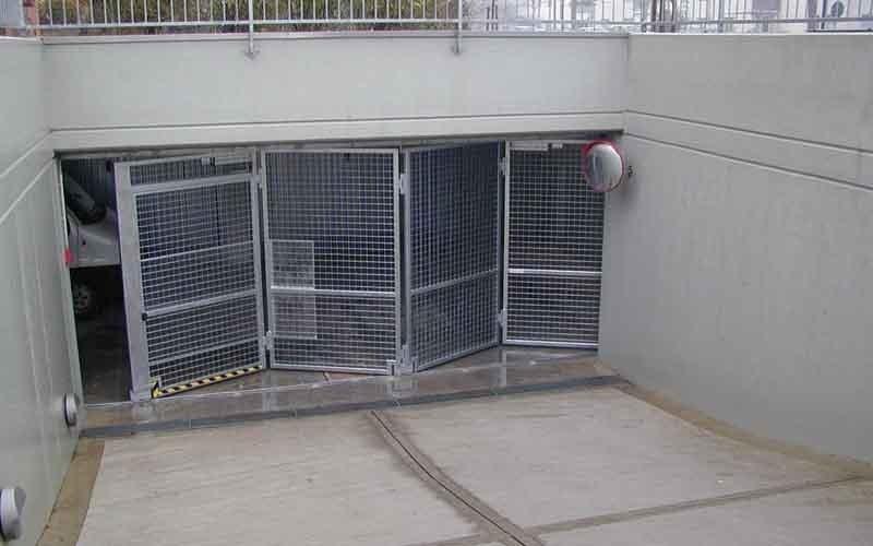 cancello particolare ingresso parcheggi