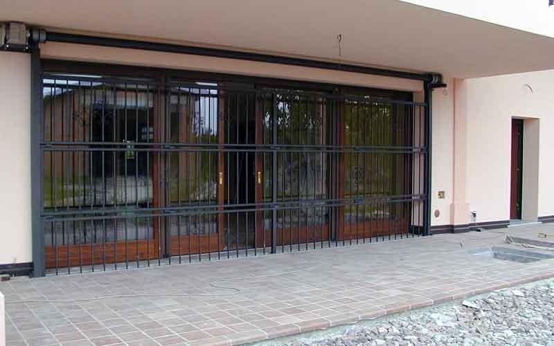 cancello particolare verticale