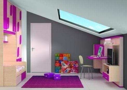 una cameretta con un letto singolo, una scrivania e un mobile Tv di colori viola e legno chiaro