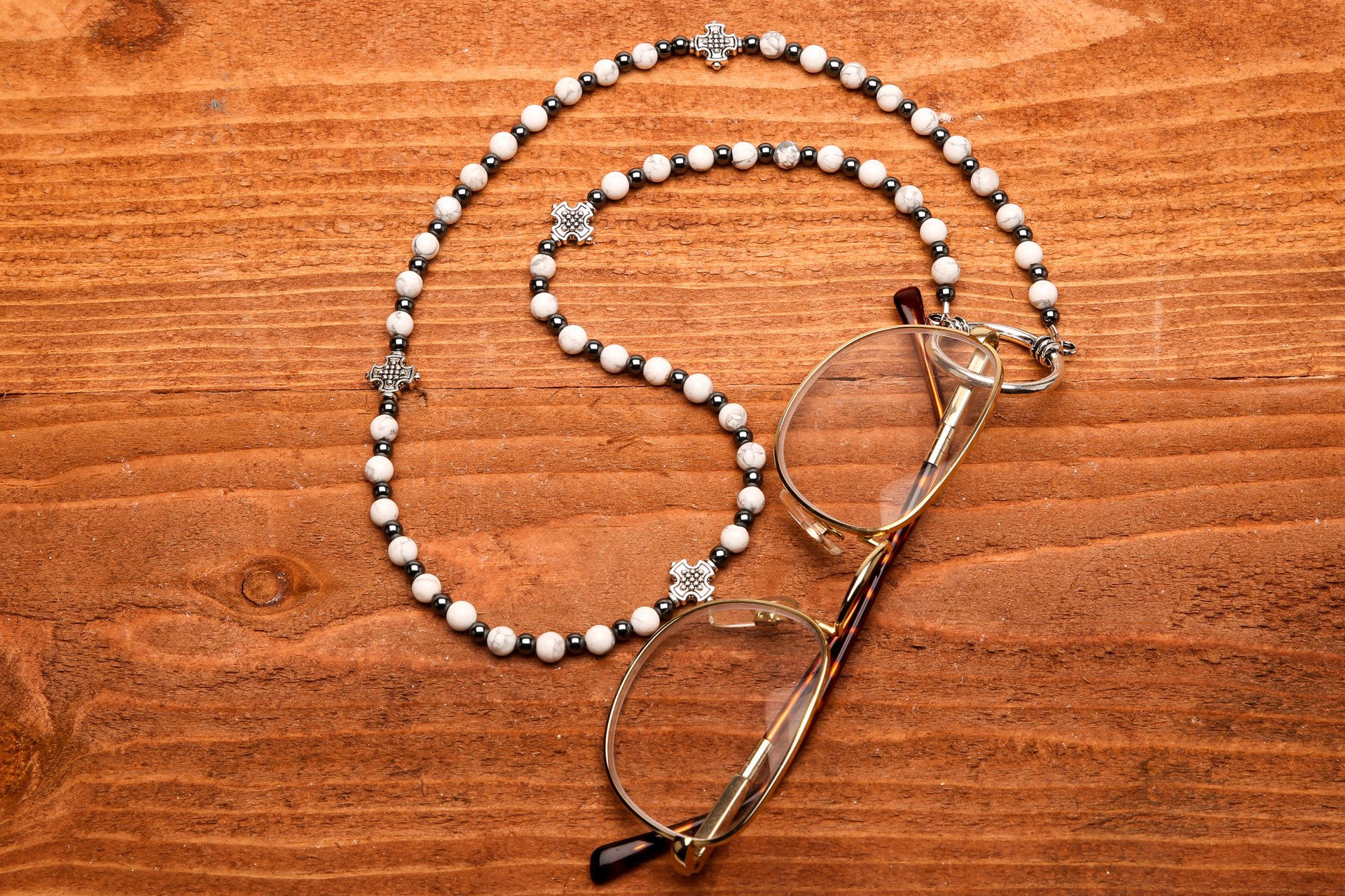 White Howlite Lanyard-Eyeglass Ring