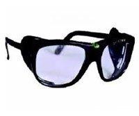 degli occhiali protettivi