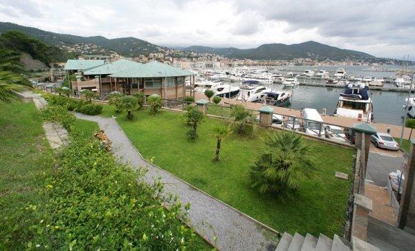 Realizzazione Aree Verdi nel Porto Turistico Marina di Varazze