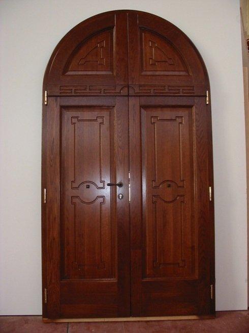 portone in legno, porte in legno,falegnameria musi