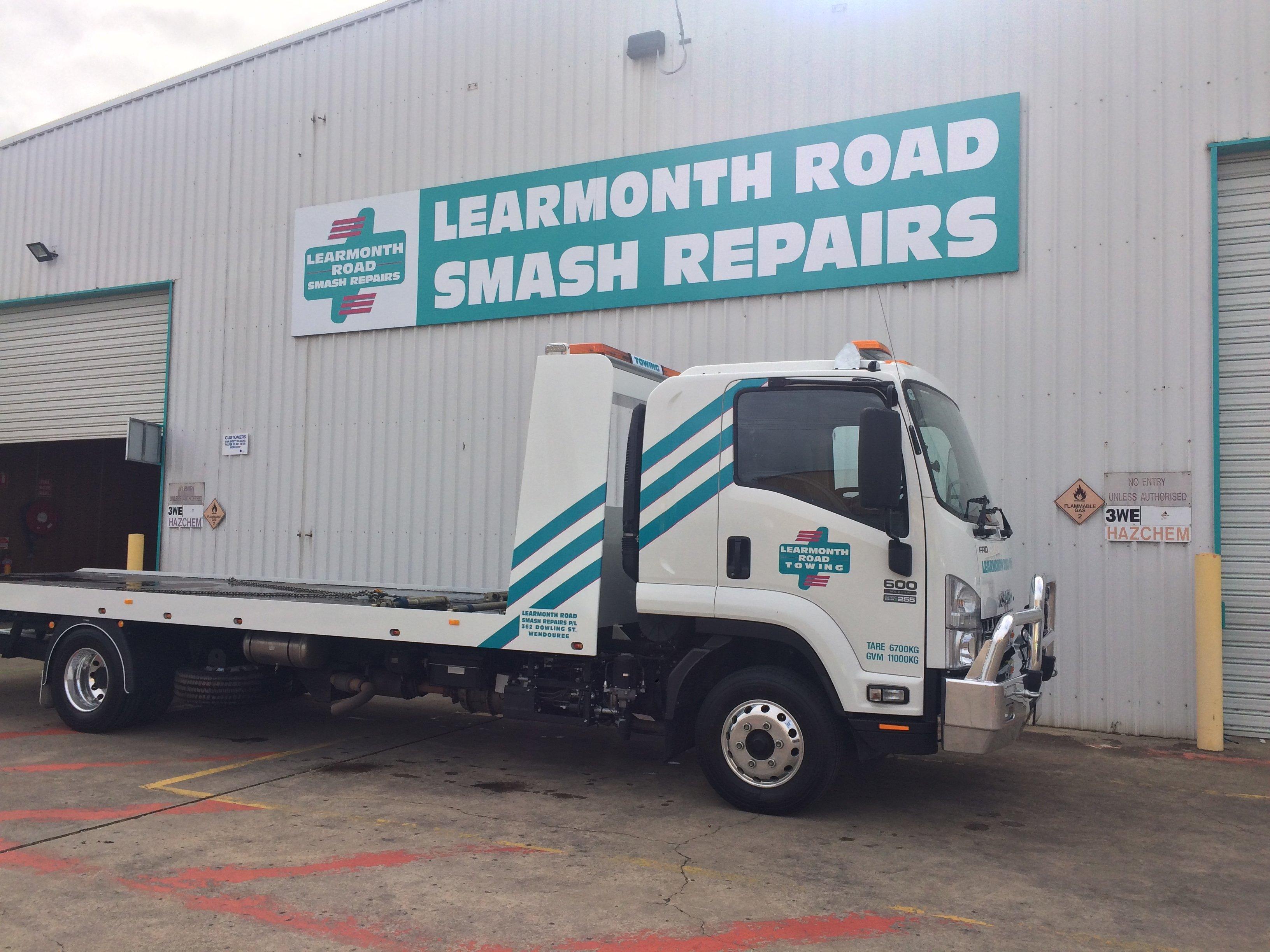 learmont road smash repairs smiling tow truck