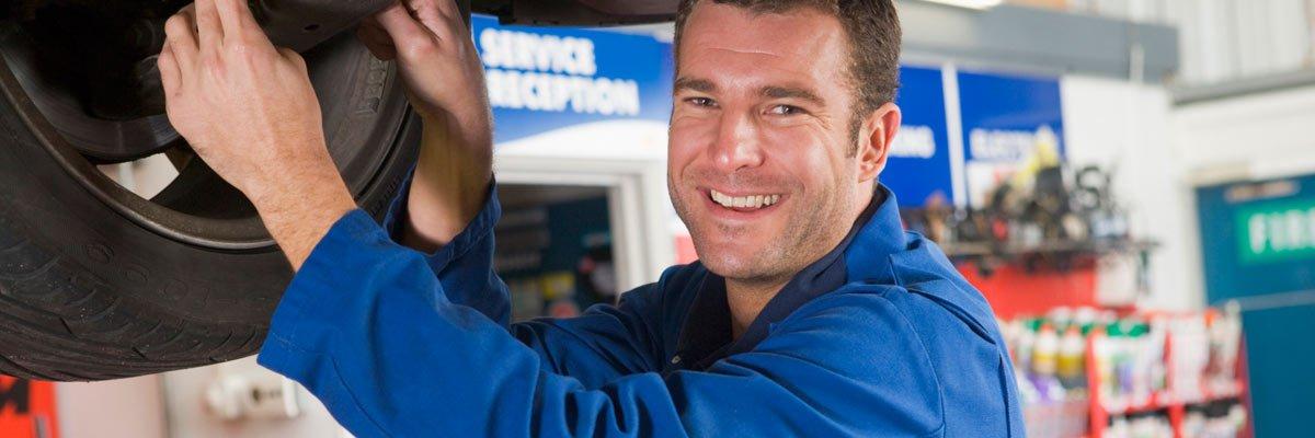 learmont road smash repairs smiling mechanic workshop