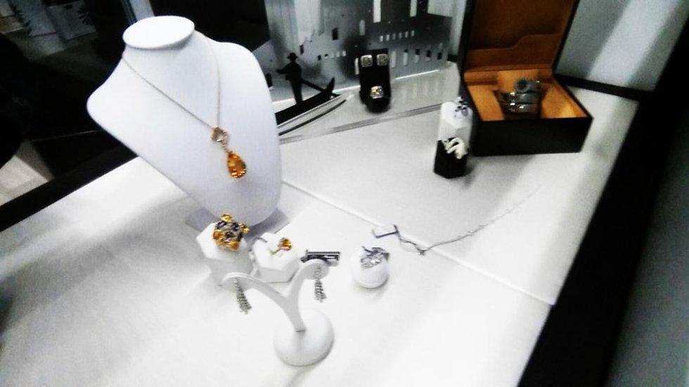 collane in oro e pietre preziose