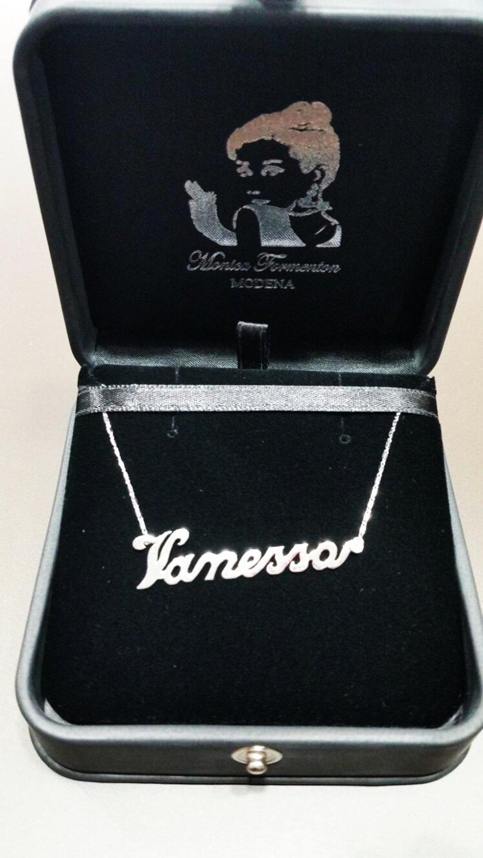 girocollo personalizzato con nome oro bianco e diamanti