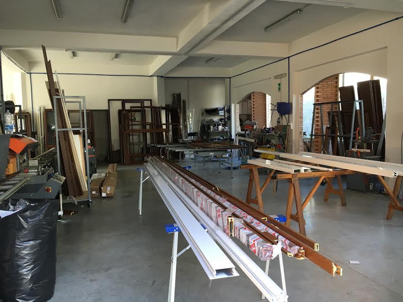 Lavorazione dell'alluminio per la produzione di infissi su misura