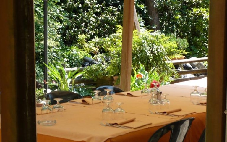 ristorante con veranda esterna