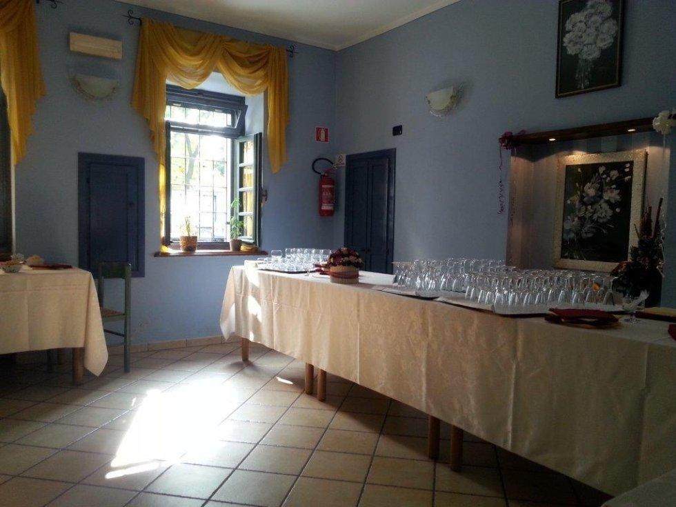tavoli addobbati per cerimonie