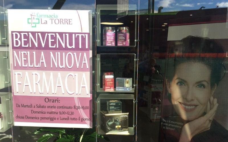 Vetrina farmacia