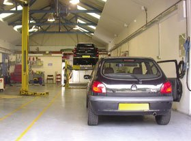 Garage - Hounslow, Hounslow - Rosewood Garages Ltd - Garage service