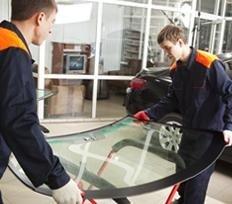 Riparazione parabrezza e finestrini per veicoli