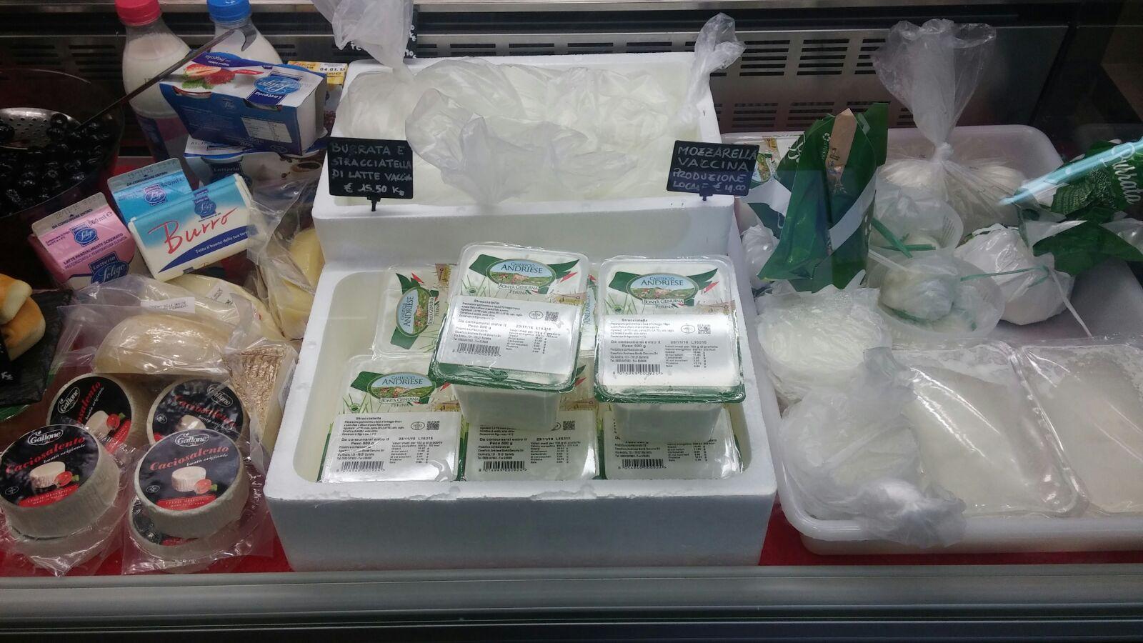 Burro mozzarella con altri prodotti a Zibido San Giacomo