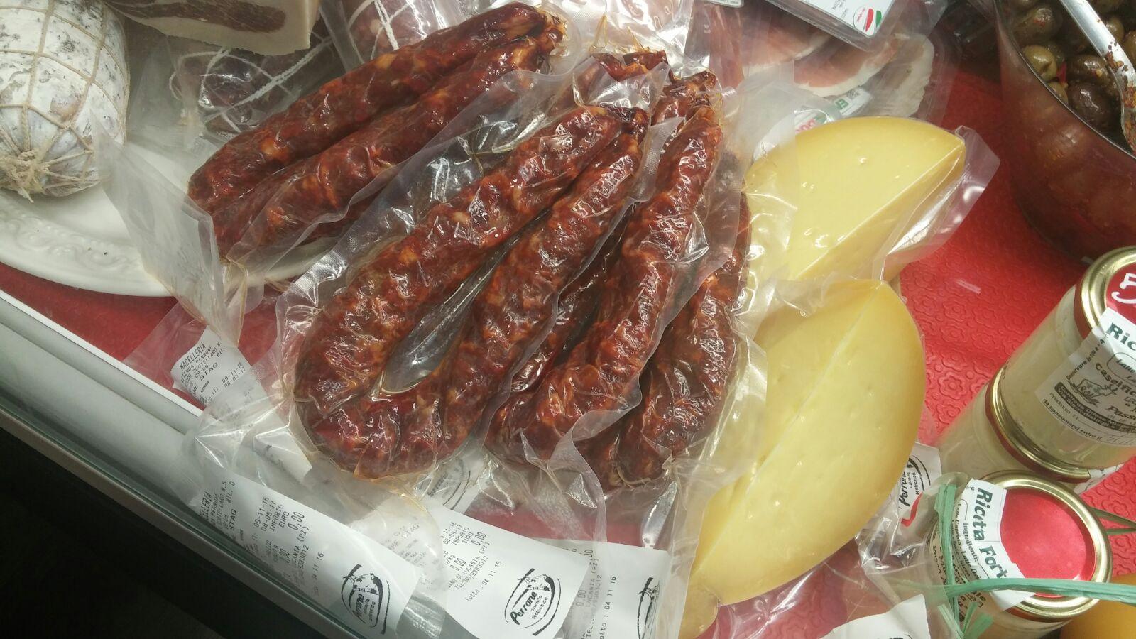 Formaggio e carne a Zibido San Giacomo