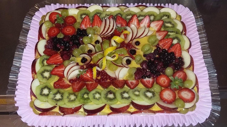 crostata di frutta con crema