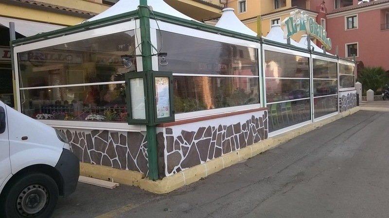 gazebo esterno di un ristorante