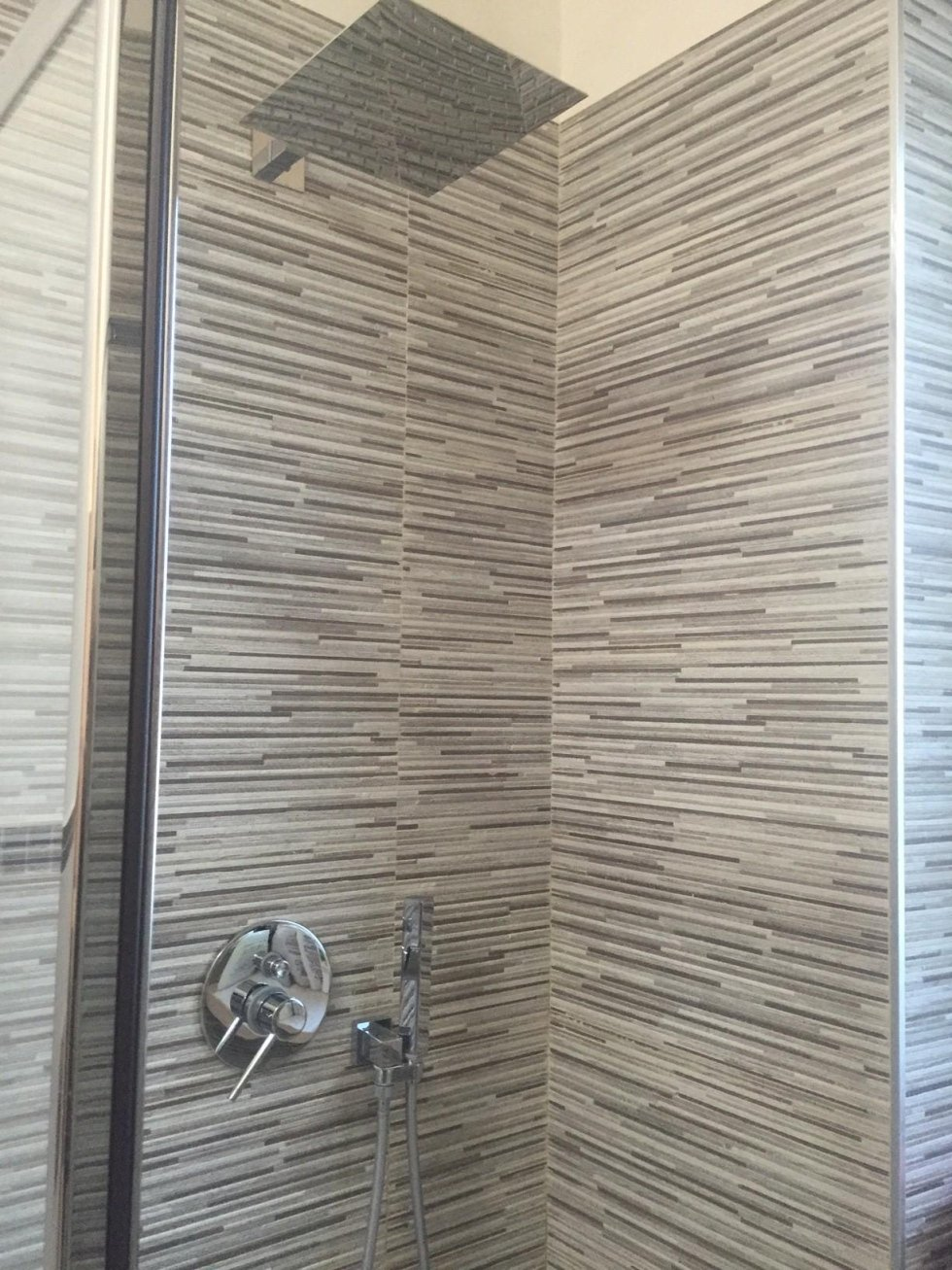 pareti di un box doccia