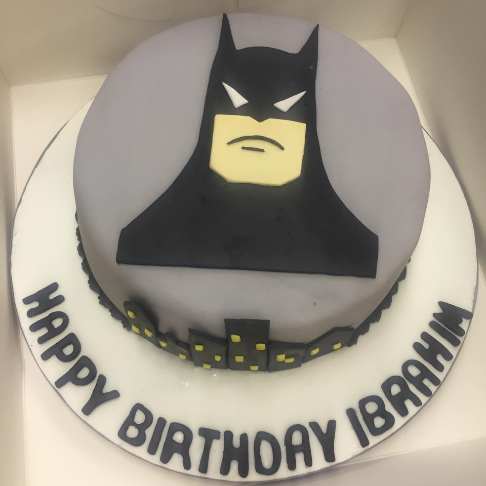 Specially designed birthday cakes in Nottingham