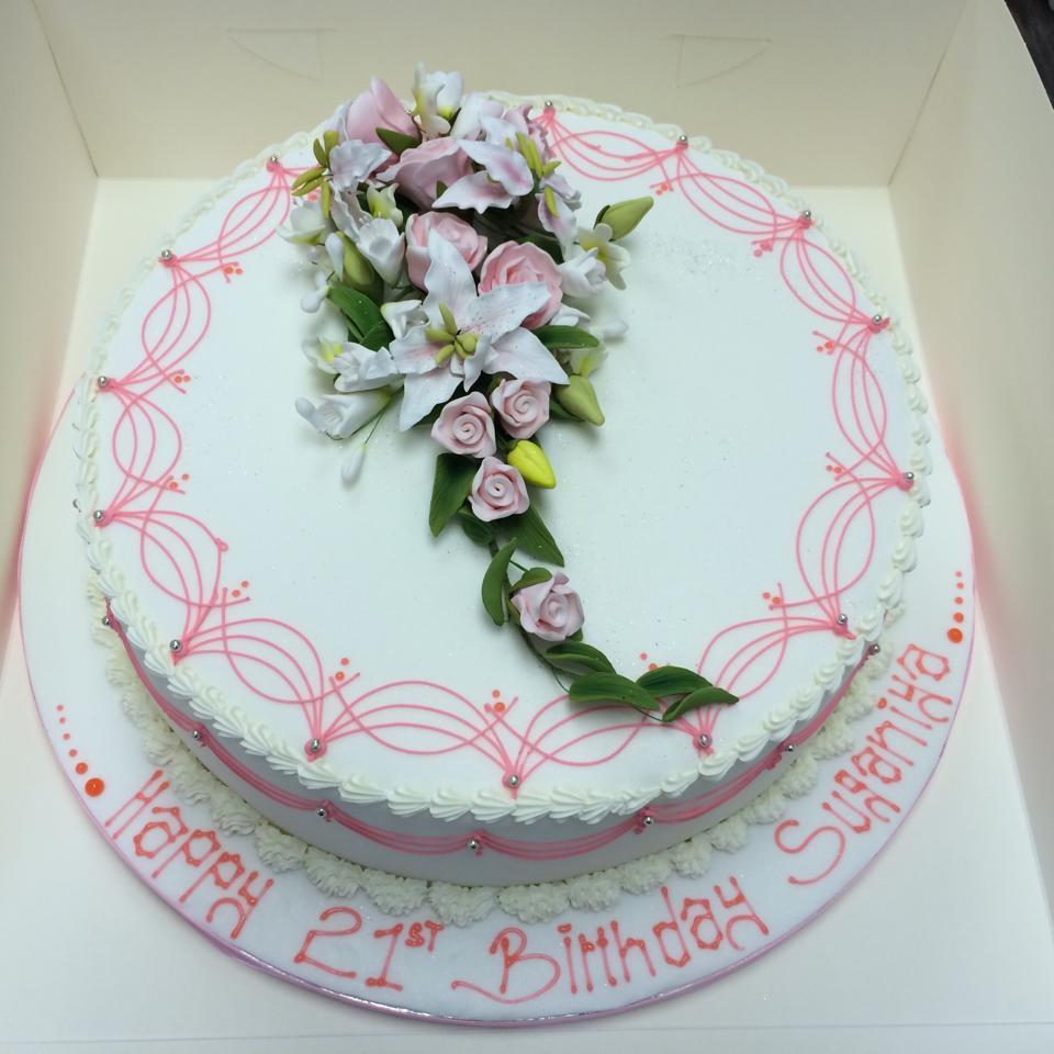 flowery cake icing
