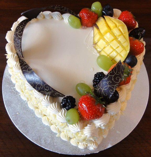 heart fruit cake