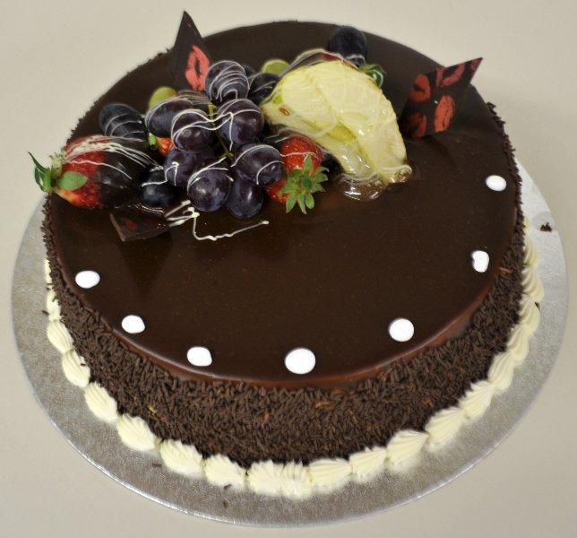 berries on cake