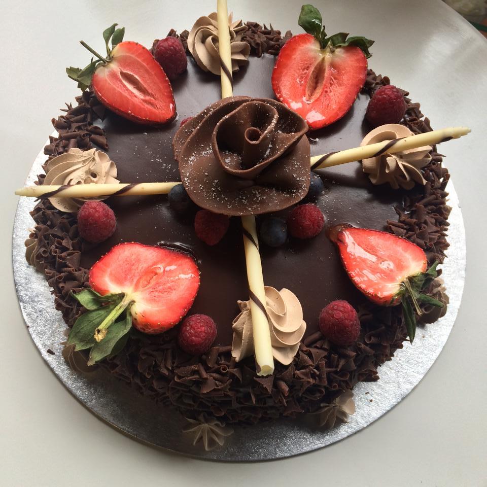 choco rose cake