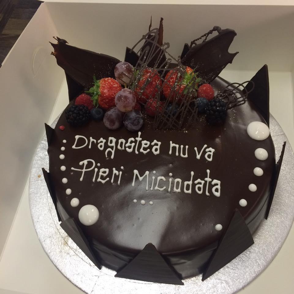 berry birthday  cake