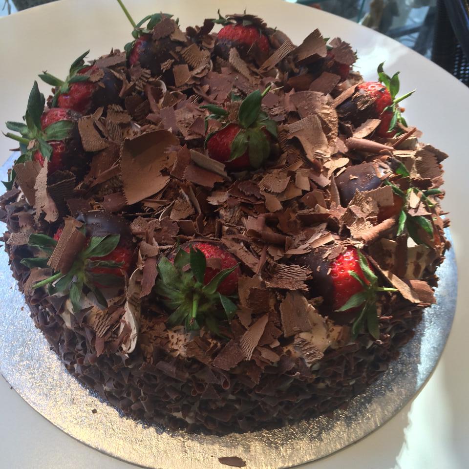 choco dust on cake