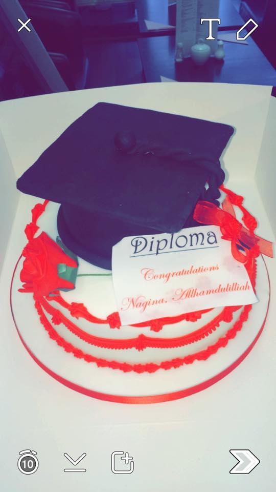 diploma cake icing