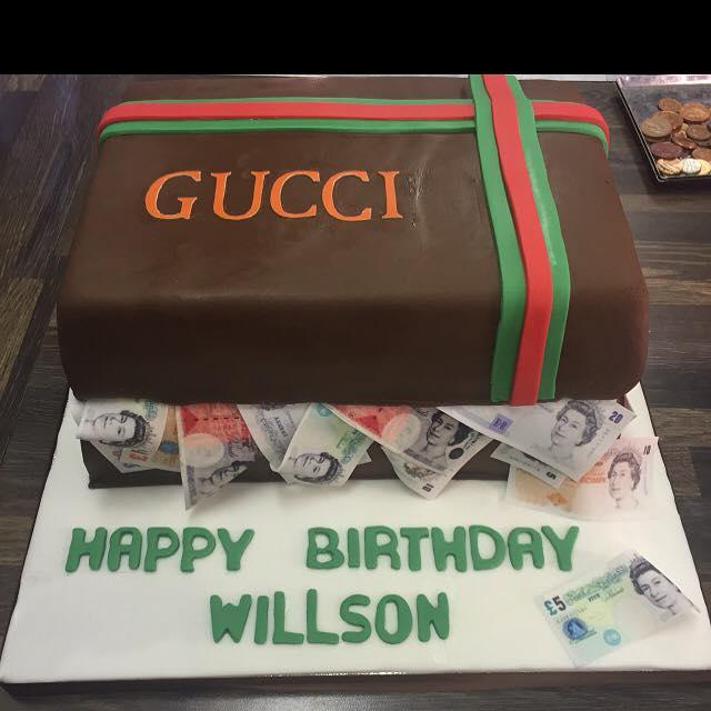 gucci cake icing