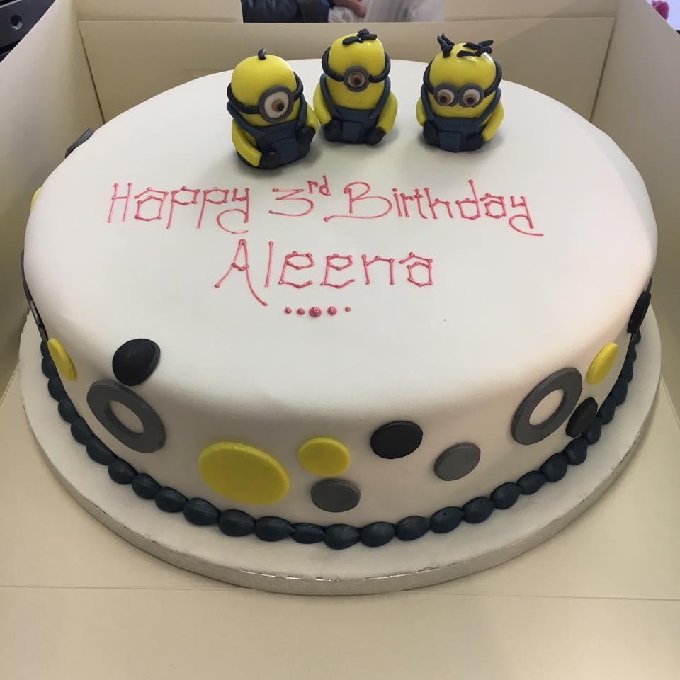 three minions cake