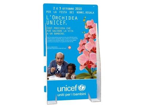 espositore Unicef Lino Banfi