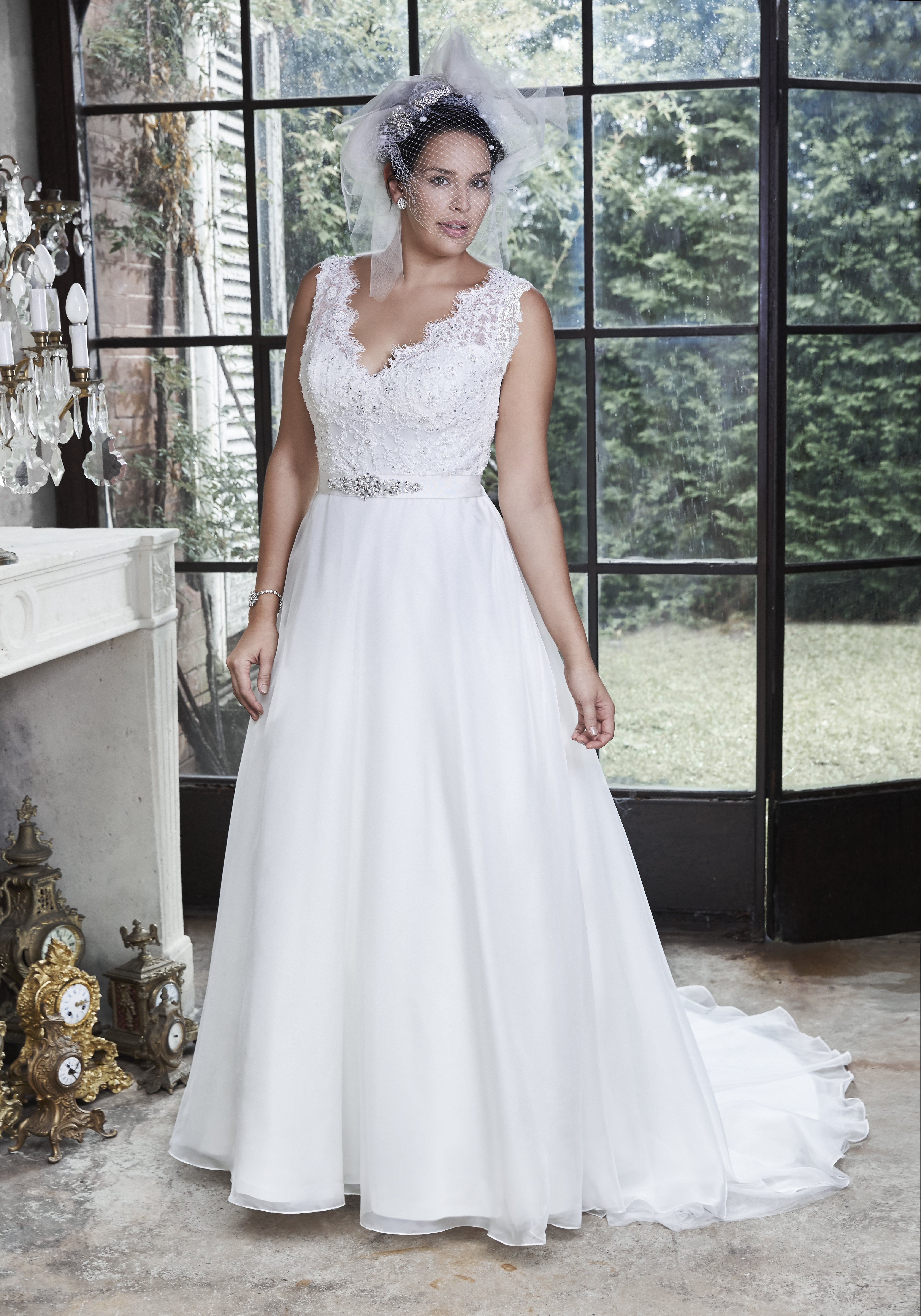 dedcfd719ca Hints and tips for brides with curves