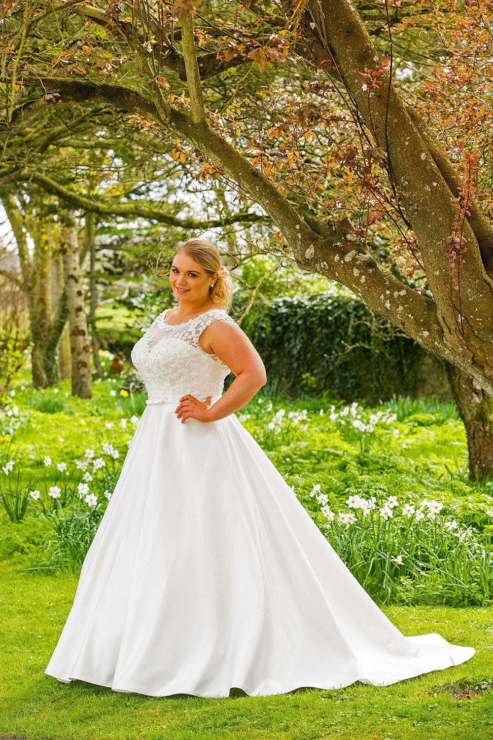 Wedding Dresses 2017 Northern Ireland : Wedding dresses for the fuller figure in derry northern ireland