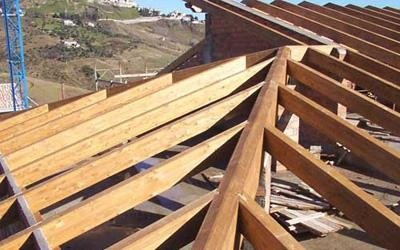 montaggio tetto in legno