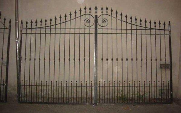 cancello ingresso condominio