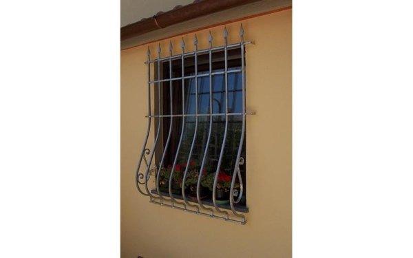 inferriata bombata finestra casa