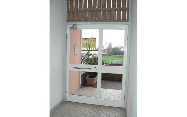 vetrate per porte appartamento tiorre
