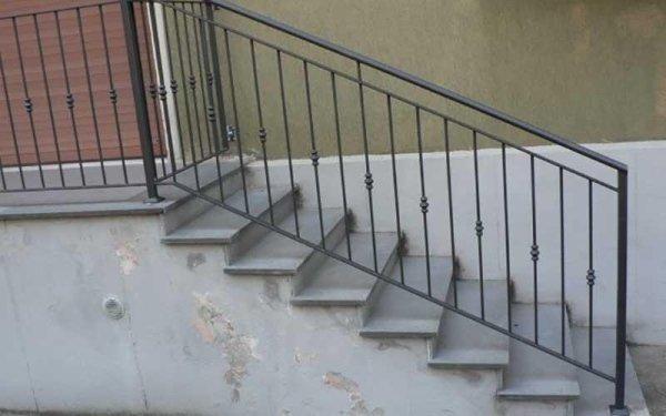 scale in ferro su misura
