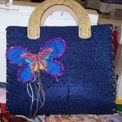 borsa con farfalla ricamata