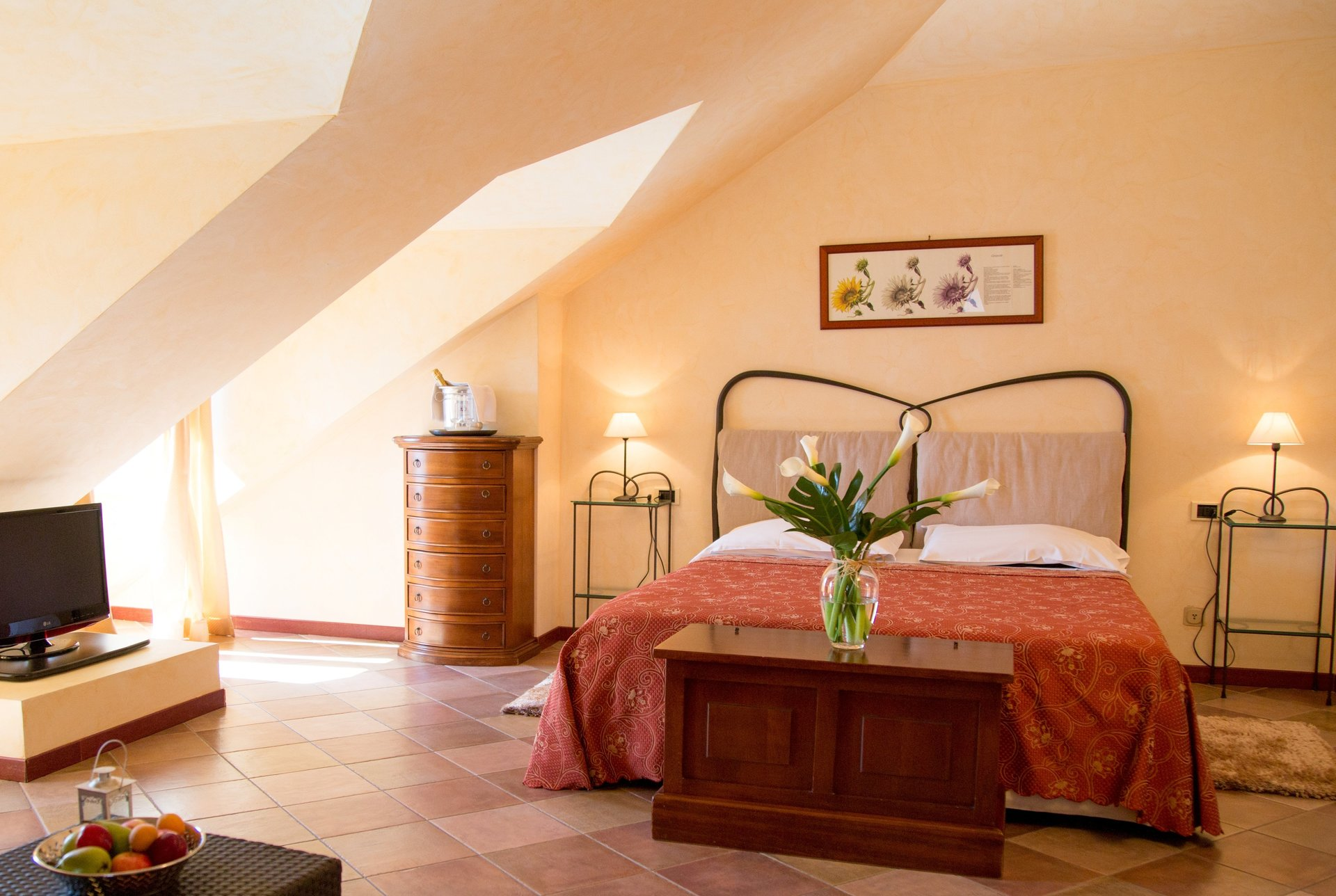 camera doppia con ampio letto matrimoniale