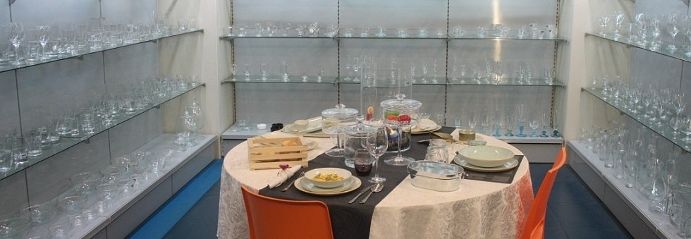 piatti e bicchieri