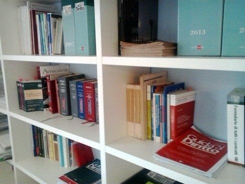 La libreria dello Studio Legale Tagliapietra di Venezia.