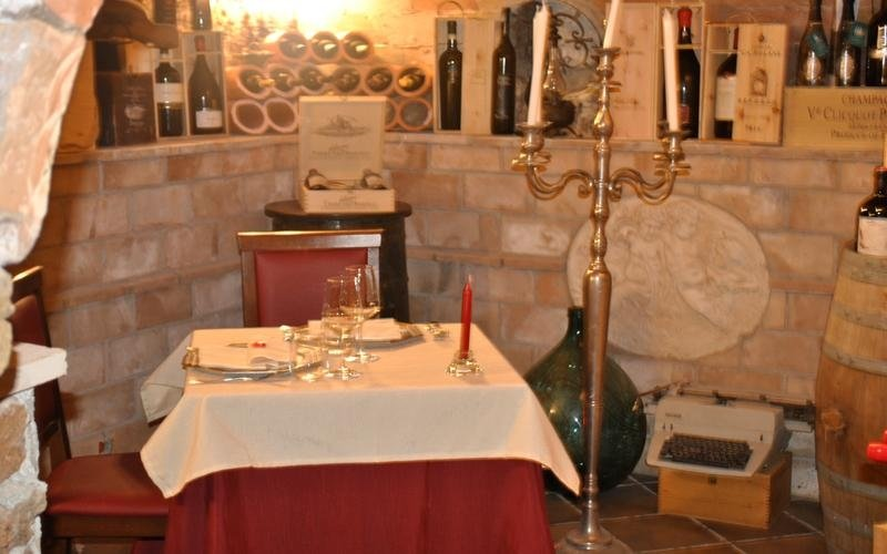restaurant with fine wines Rome
