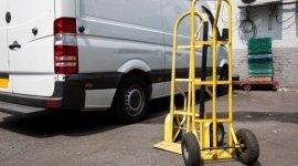 trasporto su furgoni, carrelli porta pacchi, spedizione merci su furgone